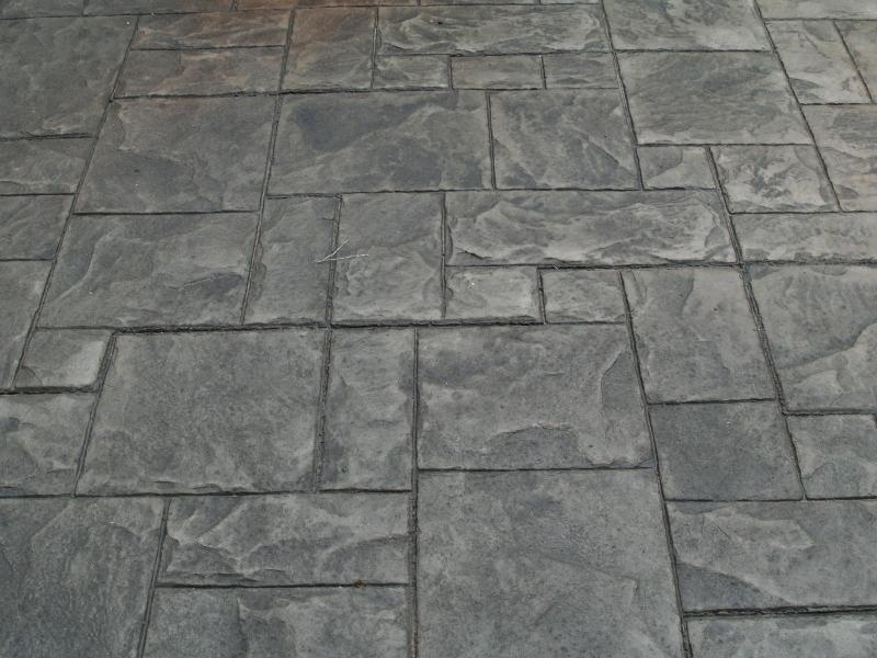 Comercial Walkway With Ashlar Slate