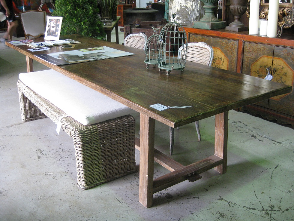 Charcoal interiors style in the city australias best for Beach dining table