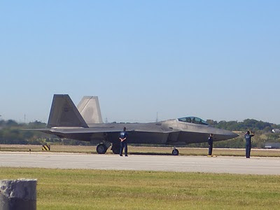 F-22 Raptor - Taxiing Back