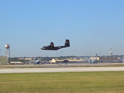 Lackland AFB Air Fest: C-7 Caribou Approaching