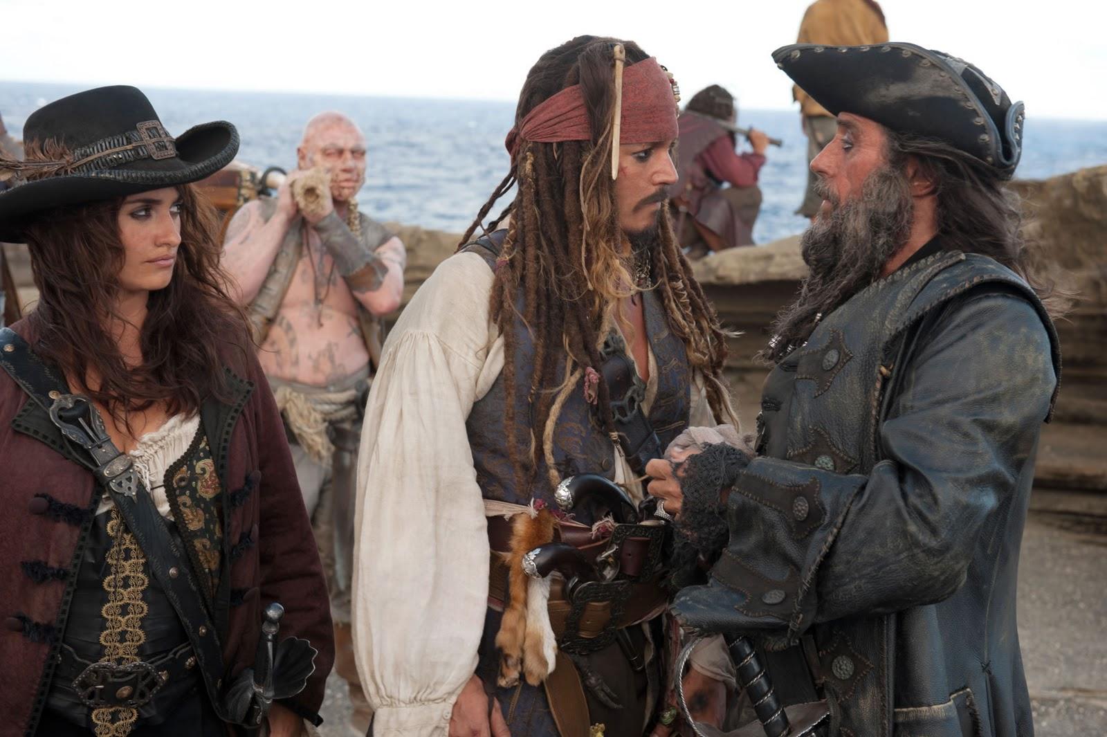 http://1.bp.blogspot.com/_NNW_E9LCtxw/TQGEdRlzenI/AAAAAAAACkI/KNb2sNf0b_g/s1600/Johnny-Depp-Pirates-of-the-Caribbean-On-Stranger-Tides-movie-image-3.jpg