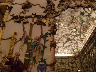 Color y forma la sala de porcelana del palacio real de for Sala 0 palacio de la prensa