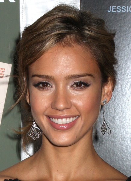 jessica alba updo hairstyle. jessica alba updo with braid.
