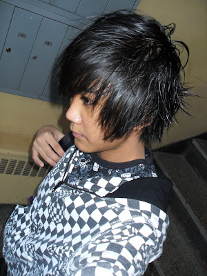 emo boys hairstyle. popular oy hairstyles.