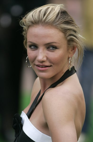 Cameron Diaz updo haircut