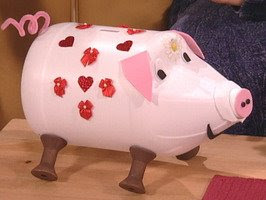 Moms helping moms make a home made piggy bank with the kidos for Create your own piggy bank