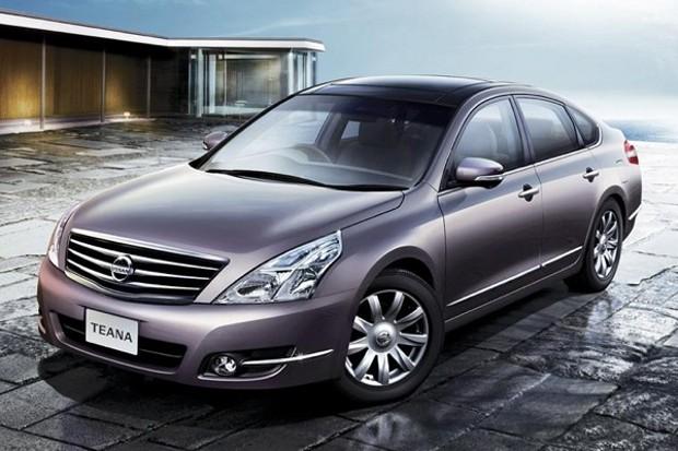 2010 nissan navara. Nissan Teana