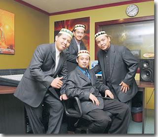 http://1.bp.blogspot.com/_NR-kKUKKcGY/Sdw9bmMg-2I/AAAAAAAAADA/xoykmJcg-2M/s320/hi_03.1.jpg
