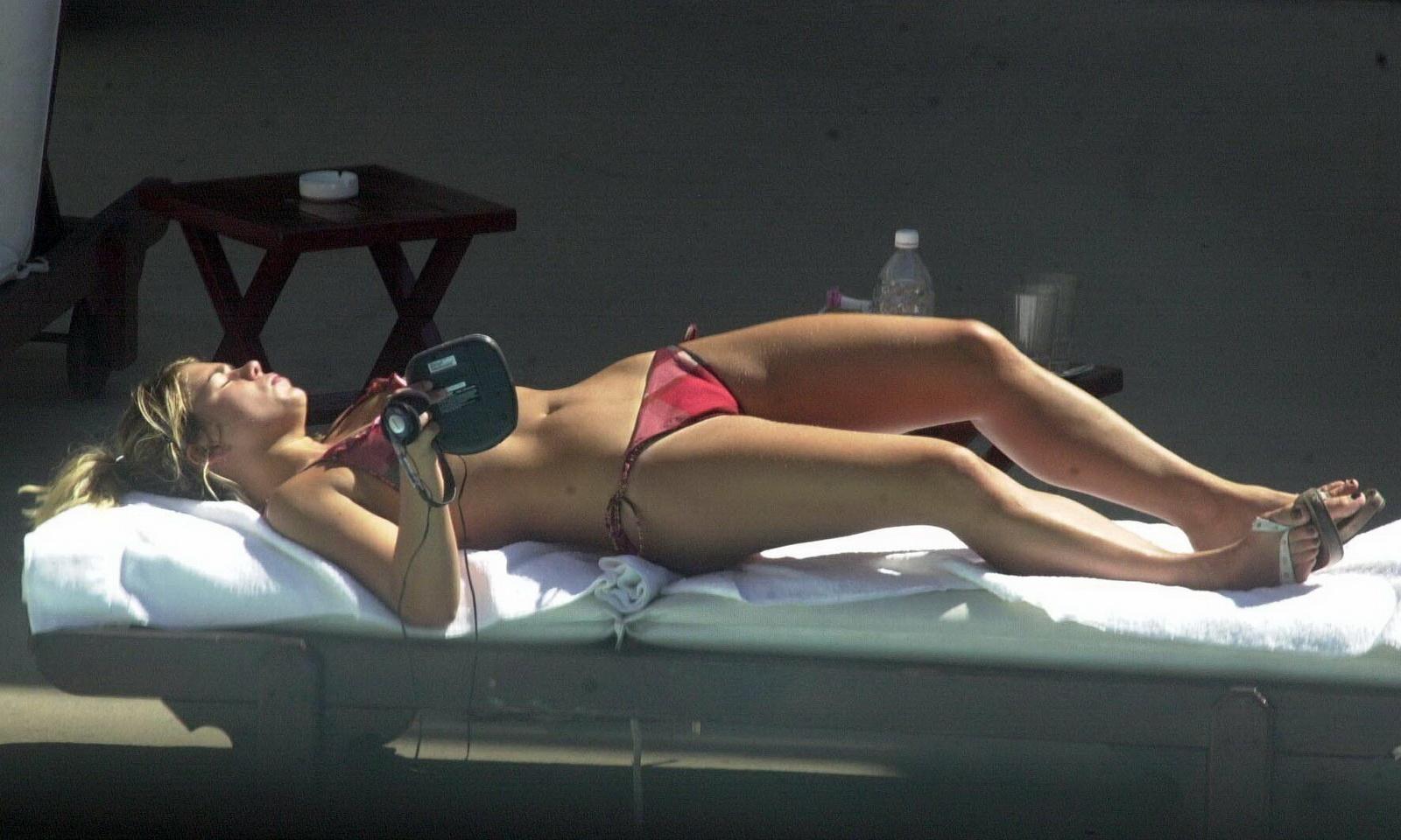 Billie Piper hot young bikini ass crack candids ~ top famous actress
