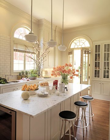 House beautiful kitchens for Beautiful white kitchen designs