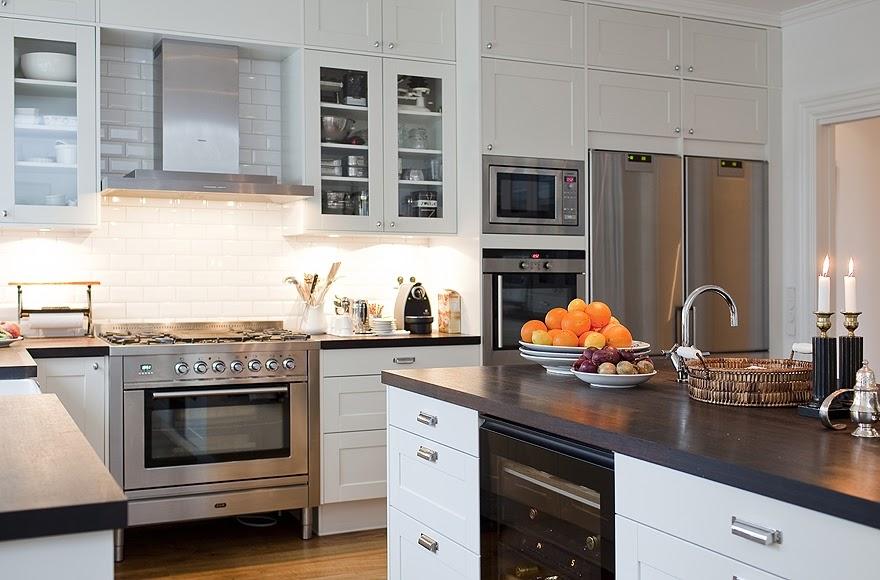 Stockholm vitt interior design new england style kitchen for New england kitchen designs