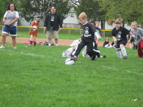 [Carson+soccer+4-2009]