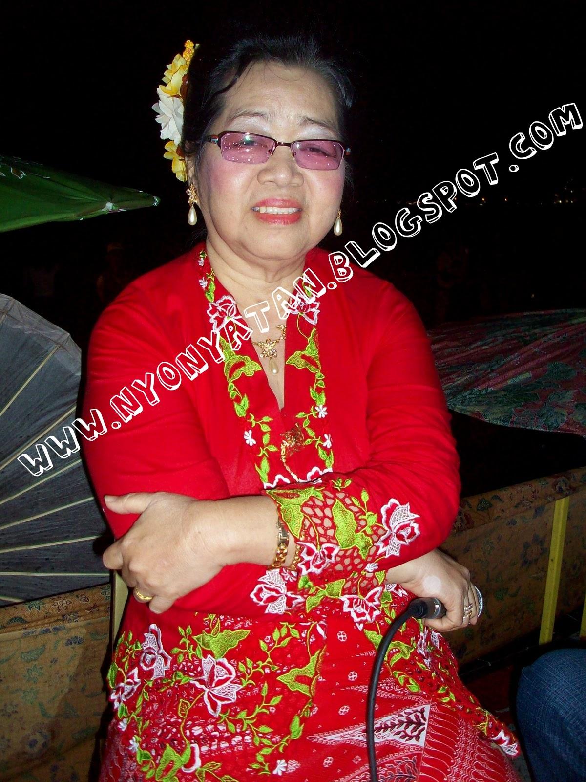 Sila komen Tokoh seni Dondang Sayang, Nyonya Tan Abdullah meninggal