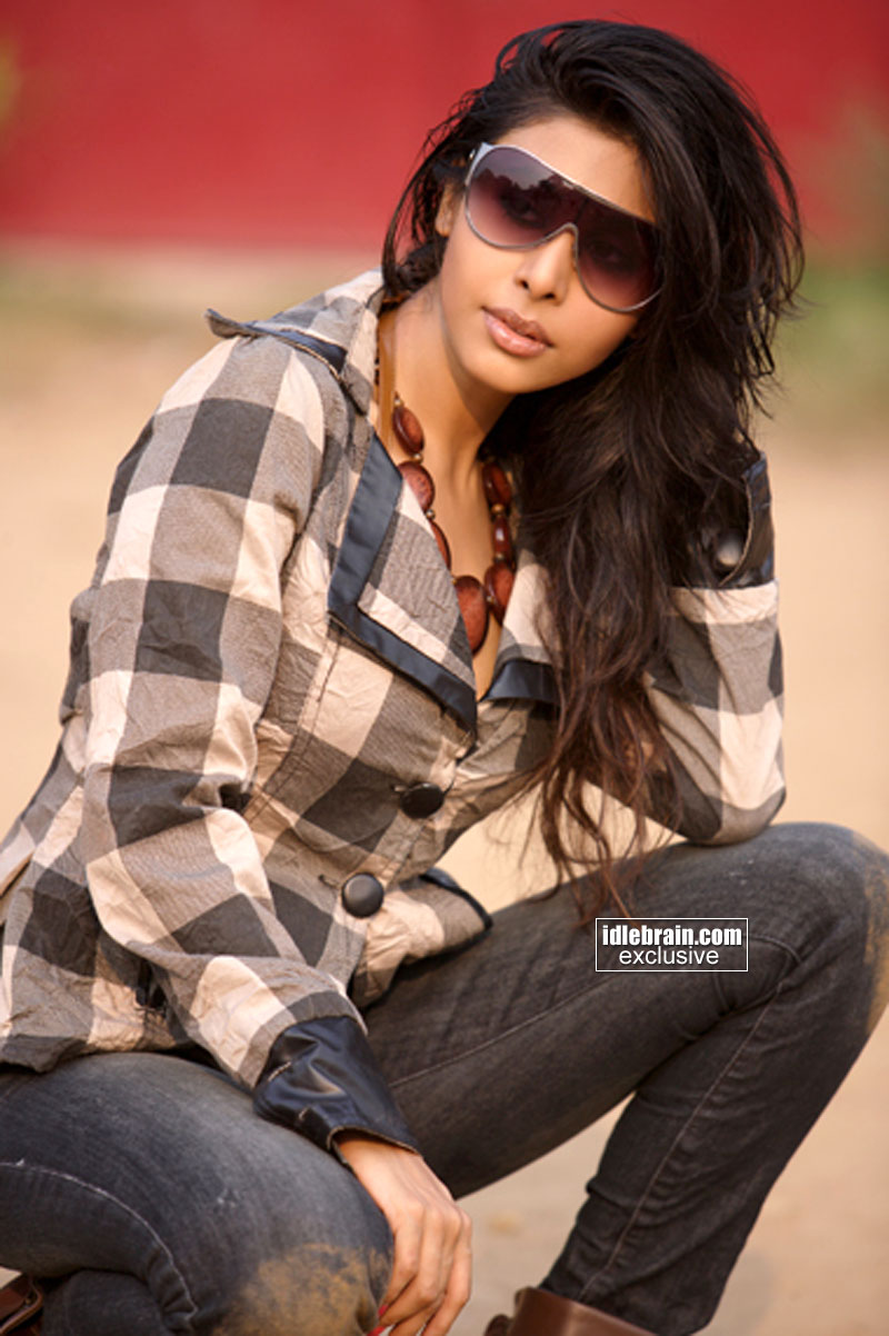 Hot Aadeen Khan
