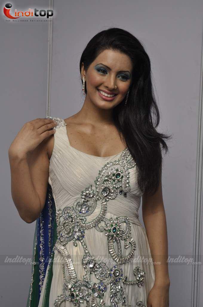 Gorgeous Geeta Basra
