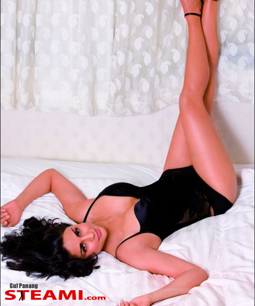 Gul Panag gest laid in lingerie