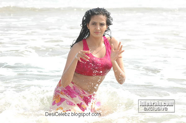Anuradha Mehta wet hot exposure at the beach