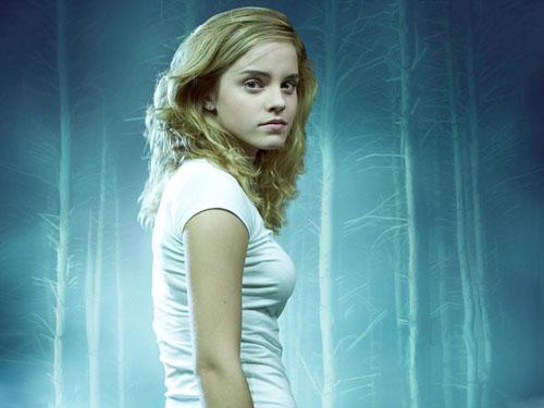 Cute Hollywood hottie Emma Watson