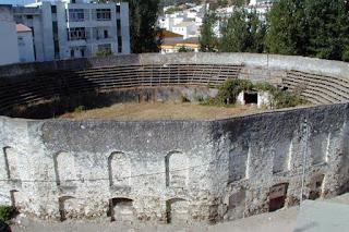La antigua plaza de toros de Ubrique antes de su demolición [Foto: Papeles de Historia]