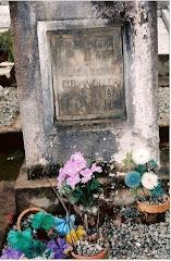 Túmulo de Klara Weizer Kraetzer, esposa de José Kraetzer