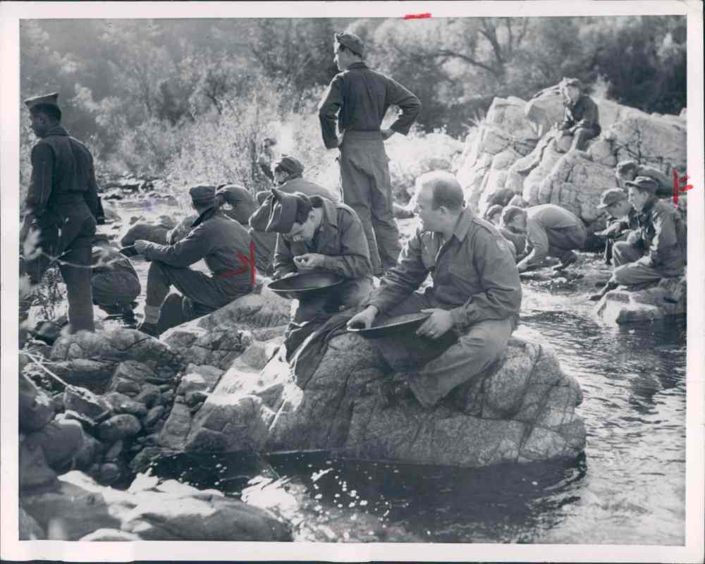 panning for gold in the gold rush - photo #21
