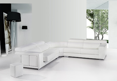 Sofa con chaislongue en piel blanco