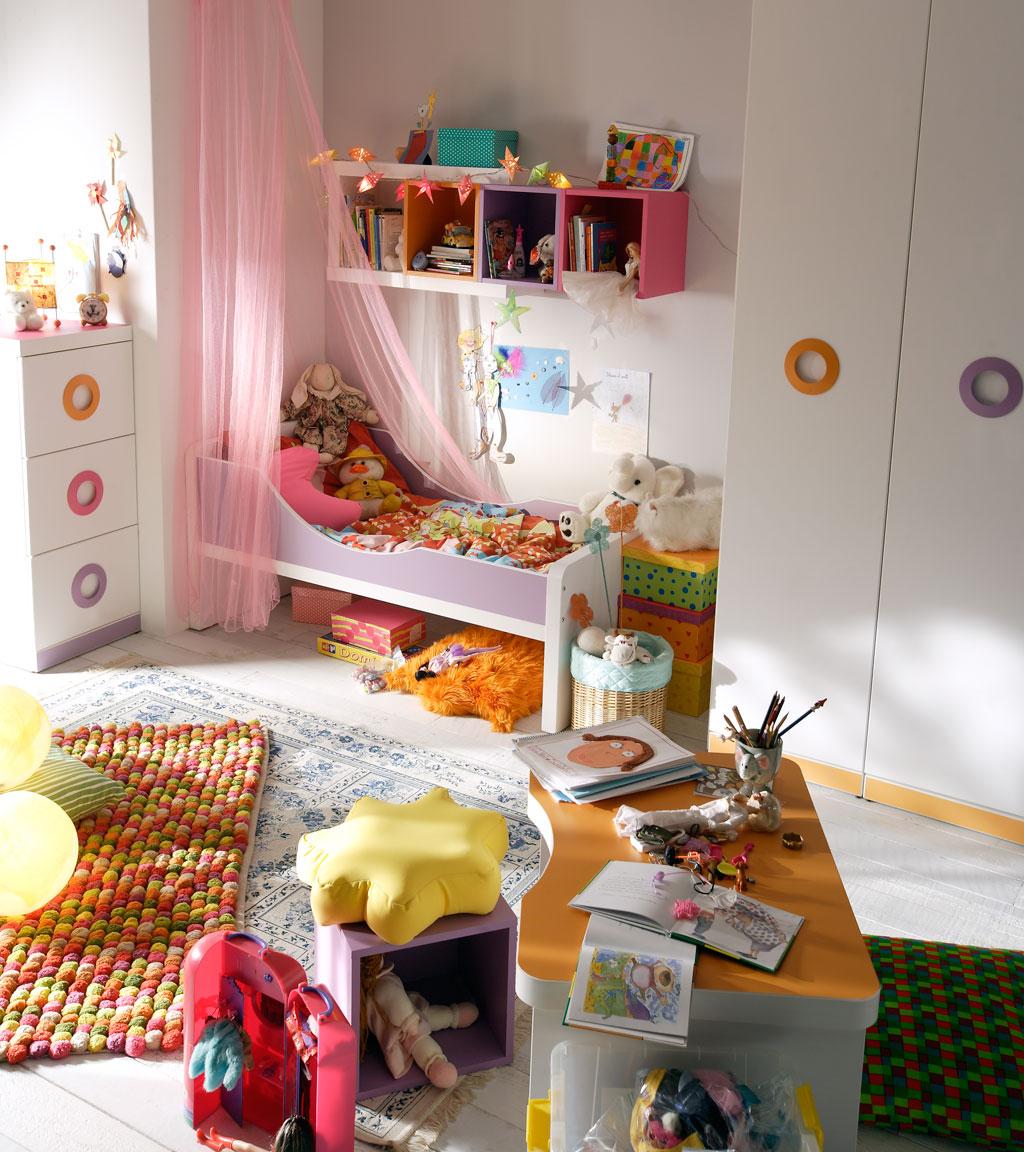 Dormitorio con cama individual for Habitaciones para ninas de 7 anos