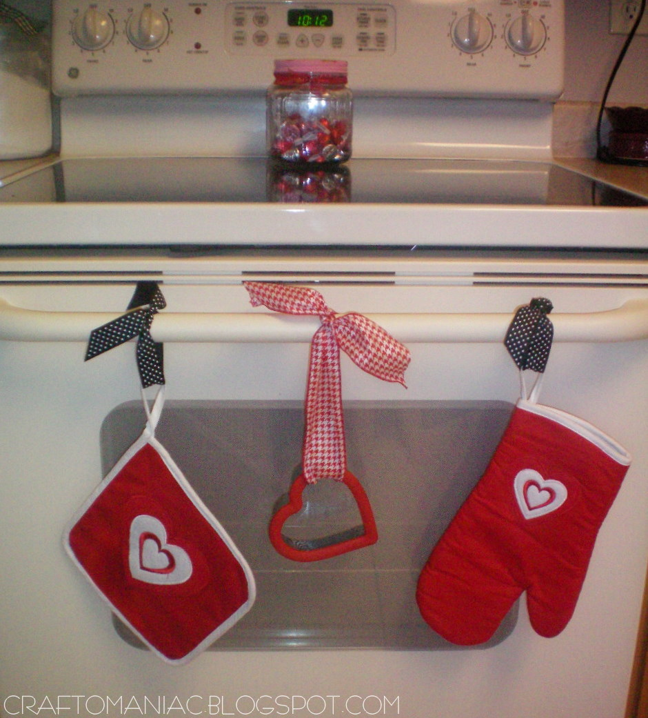 Diy Valentine Oven Decor Craft O Maniac