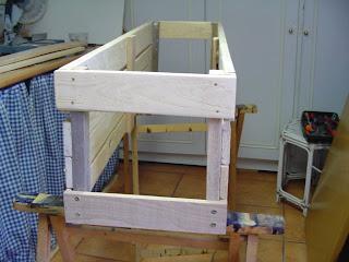 Trabajos con palets jardineras con madera de palets - Macetas hechas con palets ...