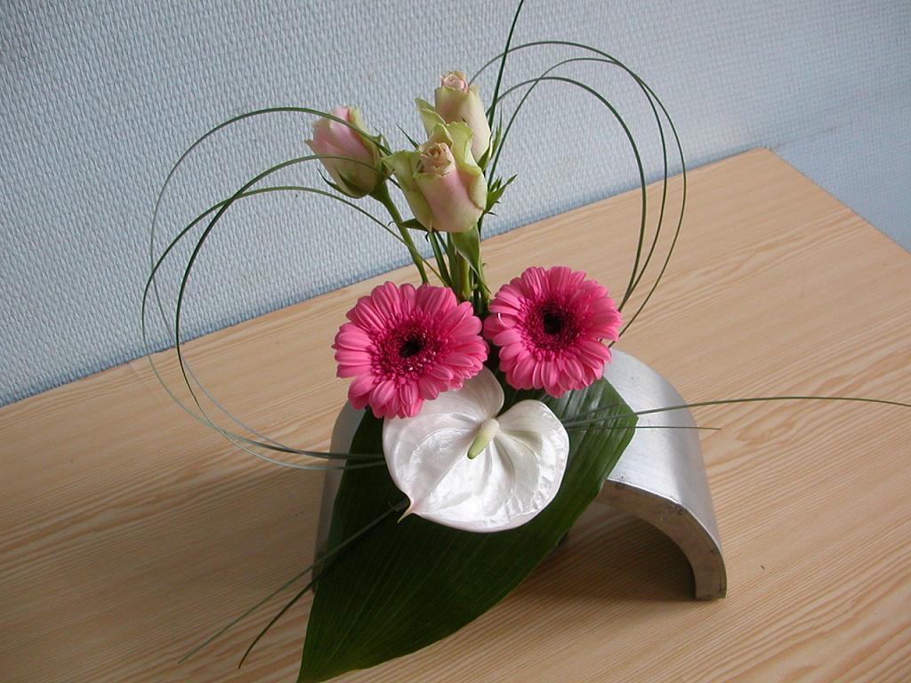 compositions florales harmonie rose et blanc pour ponticello. Black Bedroom Furniture Sets. Home Design Ideas