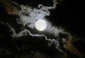 Cuando se incedió mi casa pude disfrutar de una visión sin obstáculos de la luna.