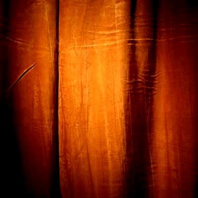 [curtain]