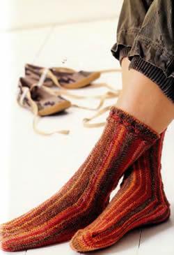 Носки в поперчной технике вязания