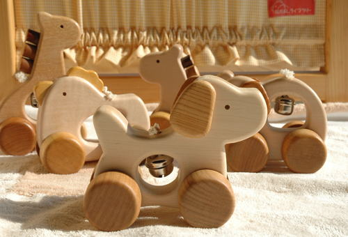 Japanese Wooden Toys : Japan to door made in hand wooden toys