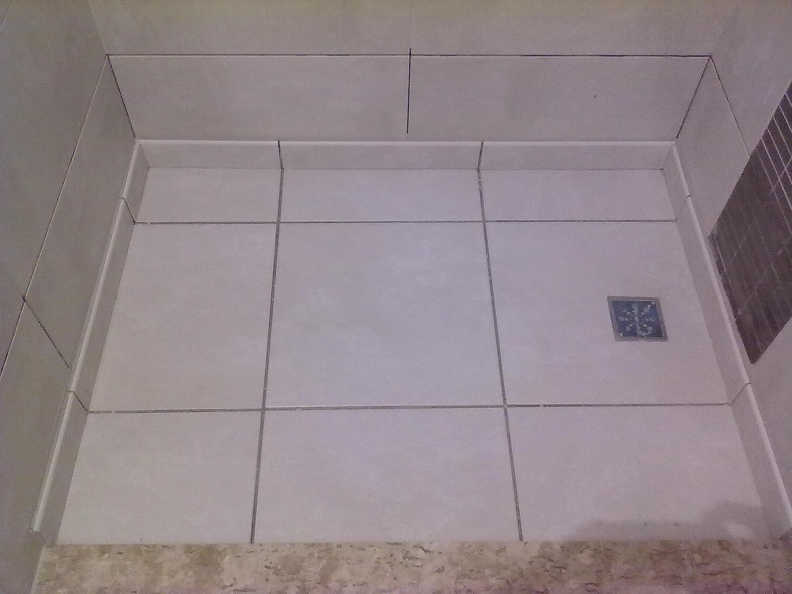 Falando em granito também foi instalado o chapim na divisa da  #705751 1600x1200 Bancada Banheiro Estreita