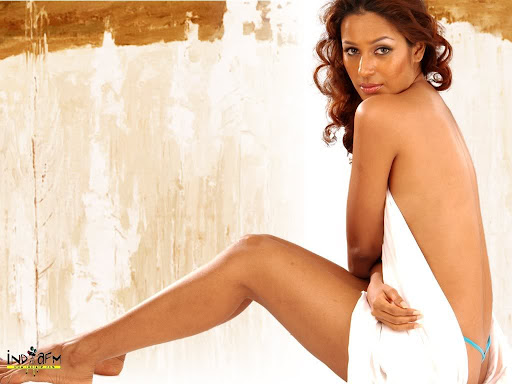 Kashmira Hot Wallpaper Sexy