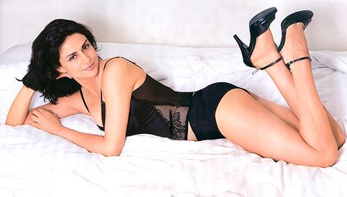 bollywood actresses wallpapers. wallpaper 7: Bollywood Actress