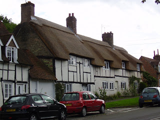 Thatched+Cottages.jpg