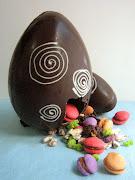 . de Pascuas y una divertida Rosca decorada con huevitos de chocolate, . en el nombre del postre pascuas