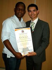 Entrega de certificado Premio Provincial de la Juventud a Camilo Then