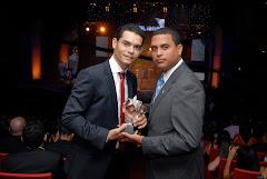 Daruin Feliz ganador 2009 , Servicio Social me entrega el premio en el 2010, Que Honor