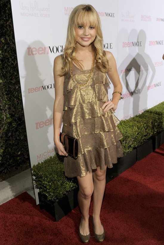 Meaghan Martin dress up games