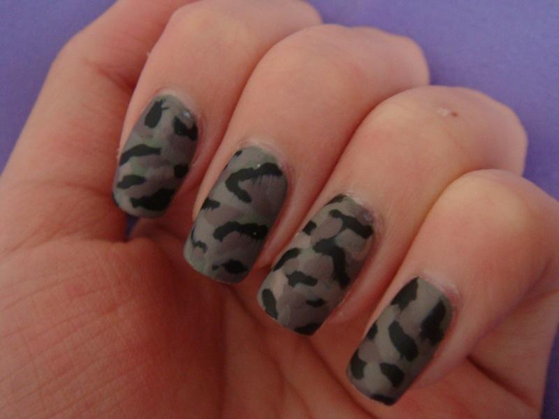 Glaze Craze: Army Nails