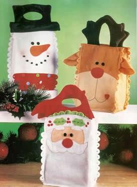 Bolsas de fieltro para regalos de navidad portal de manualidades - Manualidades en fieltro para navidad ...