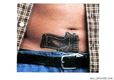 tatuaj pistol