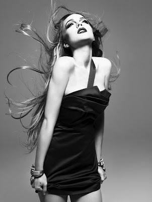 http://1.bp.blogspot.com/_NiL4yjOjHEo/SXYf4lRW6JI/AAAAAAAACOE/2Cm6qNIKaok/s400/Lindsay-Lohan-Interview-Magazine-Photoshoot3.jpg