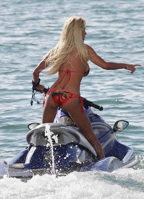 Shauna Sand Bikini Candids Photos
