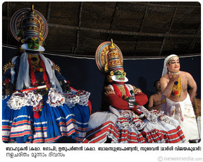 Kalamandalam Gopi as Bahukan, Kalamandalam Balasubrahmaniam as Rithuparnan and Margi Vijayakumar as Sudevan in Nalacharitham Moonnam Divasam Kathakali