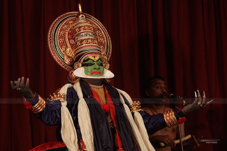 Kalamandalam Gopi as Bahukan in Nalacharitham Nalam Divasam.
