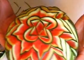 Karpuzdan Çiçek Nasıl Yapılır